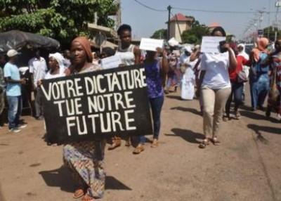 Guinée: Nouvelle Constitution, l'opposition parle d'un « coup d'Etat » constitutionnel