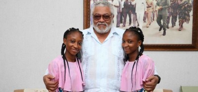 Ghana: Des sœurs siamoises séparées il y a 20 ans reconnaissantes à Rawlings