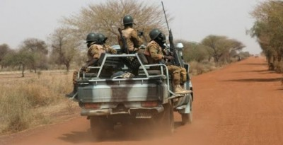 Burkina Faso:  Onze soldats tués dans une embuscade à Hallalé