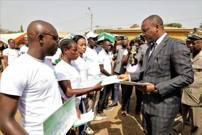 Côte d'Ivoire: Bouaké, face à des conditions trouvées incompréhensibles, des jeunes i...