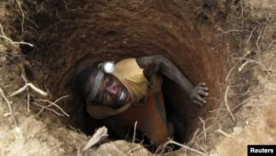 Zimbabwe : 2 mineurs clandestins tués et 20 piégés  dans l'effondrement d'une mine d'or