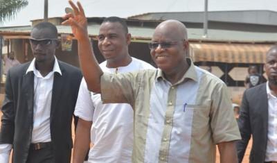 Côte d'Ivoire : Guerre de tranchées au FPI, les révélations anecdotiques de Lida, le premier gouvernement de 2000 de Gbagbo établi dans des toilettes, Affi 1er ministre par défaut