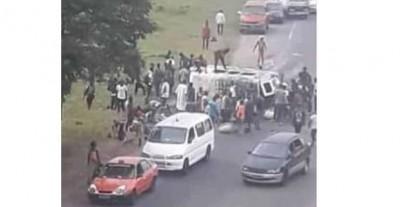 Côte d'Ivoire: A Adjamé, un conducteur de Gbaka renverse tous ses passagers vers l'échangeur d'Agban