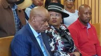 Lesotho : Thomas Thabane au tribunal en compagnie de son épouse