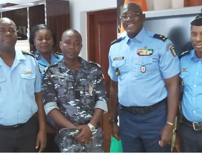 Côte d'Ivoire : Le DG de la police félicite l'agent agressé dans l'exercice de ses fo...