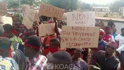 Côte d'Ivoire : Daoukro, exigeant la gratuité des CNI, des jeunes bloquent des voies d'accès à la ville