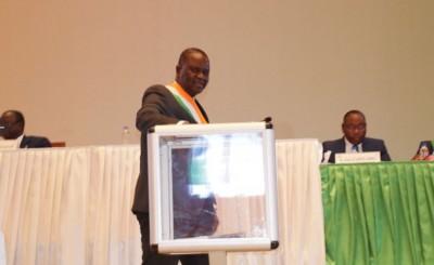 Côte d'Ivoire : Le congrès adopte le projet de loi portant révision de la Constitution