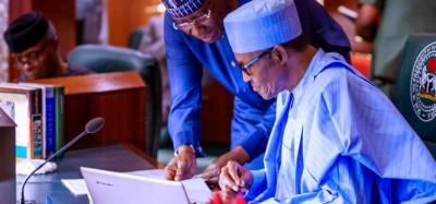 Nigeria :  Coronavirus, Buhari et son VP testés négatifs, l'Assemblée nationale à la pause