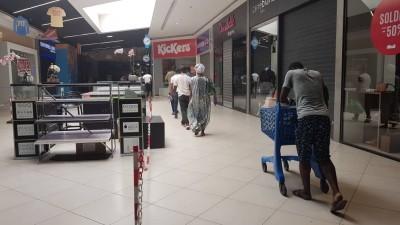 Côte d'Ivoire : Coronavirus, confinement de plus en plus général à Abidjan