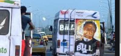 Côte d'Ivoire : Cocody,  une jeune dame saute d'un Gbaka et meurt, selon des témoins