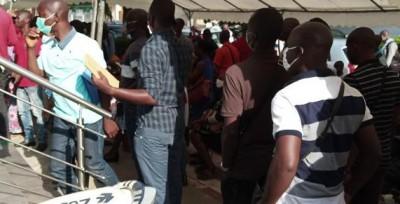 Côte d'Ivoire : Les clients de la BHCI réclament leur épargne « pour se prendre en ch...