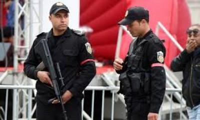 Tunisie : Covid-19 ,deux hommes arrêtés pour avoir tenté de «tousser»sur des policiers