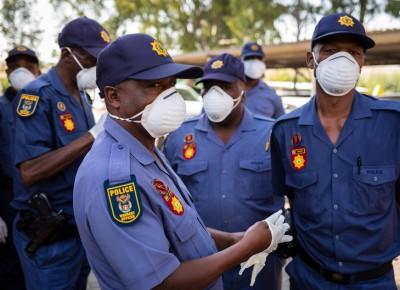 Afrique du Sud : Un touriste français inculpé de « tentative de meurtre » pour avoir répandu le Coronavirus