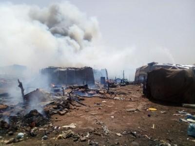 Mali: Un incendie ravage l'un des principaux camp de déplacés de Bamako