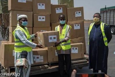 Burkina Faso :  Lutte contre la Covid-19, le Prince héritier des Emirats arabes unis offre 30 tonnes de matériel sanitaire