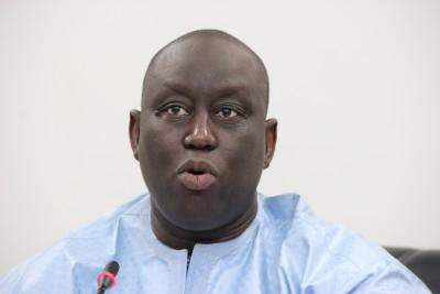 Sénégal : Le frère de Macky Sall testé positif au Coronavirus, des Sénégalais refusen...
