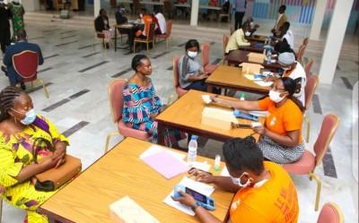 Côte d'Ivoire : La distribution des premières CNI pourrait débuter la semaine prochai...