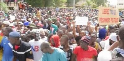 Mali : Vaste manifestation à Bamako pour le départ d'IBK