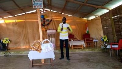 Côte d'Ivoire : San-Pédro, sensibilisant sur le Covid-19,  un pasteur à ses fidèles: « Ce n'est pas une question de j'ai la foi...»