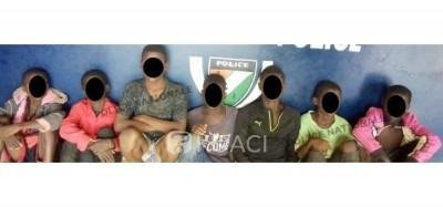 Côte d'Ivoire : Des enfants charretiers le jour et « microbes » la nuit,  interpellés par la police