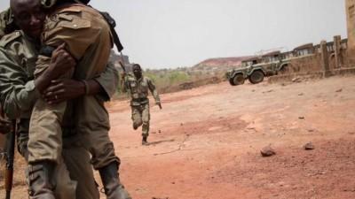 Mali : Nouveau massacre dans le centre, 40 villageois et soldats au moins tués