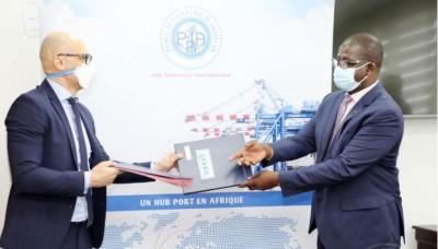 Côte d'Ivoire : Terminal roulier du port d'Abidjan,  signature du procès-verbal de l'...