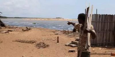 Côte d'Ivoire : À Lahou-Pkanda, la pluie fait ravage, village rasé et des tombes empo...