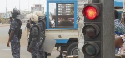 Togo :  Consigne aux policiers en faction pour leurs téléphones