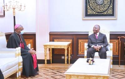 Gabon : Pression des religieux pour une réouverture des lieux de cultes