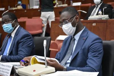 Côte d'Ivoire : Moussa Sanogo devant les sénateurs  de la CAEF « prédit » une baisse du taux de croissance en 2020 qui devrait s'établir à 3,6% du fait de l'impact de la pandémie de la COVID-19