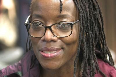 Zimbabwe : Manifestation anti-corruption, l'écrivaine Tsitsi Dangarembg libérée sous...