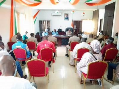 Côte d'Ivoire : En tournée de sensibilisation, la CEI prend d'assaut le Gbêkê et le Hambol
