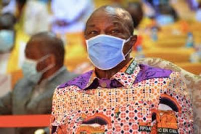 Guinée : Plainte auprès de la CEDEAO contre une « falsification » de la constitution