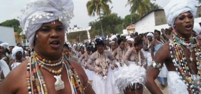 Togo :  Pays Guin, pas de prise de la pierre sacrée