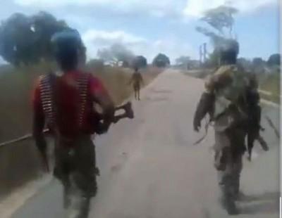 Mozambique : Des djihadistes déguisés en militaires exécutent une femme enceinte,l'ar...