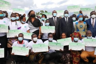 Côte d'Ivoire : Bouaflé, dans le cadre de Agir 3, 900 jeunes de la Marahoué reçoivent leur chèque