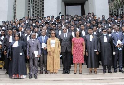 Côte d'Ivoire : Fusion des ex-huissiers de justice et de commissaires-priseurs, 299 Commissaires de Justice en fin de formation ont obtenu leur attestation pour exercer pleinement