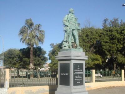Sénégal :  La place Faidherbe de la ville de Saint-Louis devient la place Baya Ndar