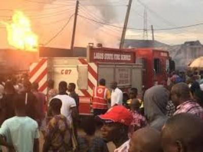 Nigeria : Explosion d'un camion citerne à Lagos, cinq morts au moins et trois blessés graves