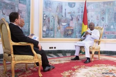 Burkina Faso : Le président Kaboré dit ne pas refuser la main tendue de Compaoré pour une réconciliation, mais après les élections