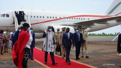 Burkina Faso : Le président Kaboré assiste aux obsèques de sa belle-mère au Togo