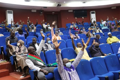 Burkina Faso : Le budget 2021 adopté avec un déficit de 540,800 milliards de FCFA