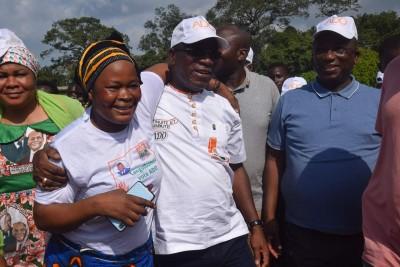 Côte d'Ivoire :    Campagne, Jacques Assahoré fait le porte à porte pour convaincre s...