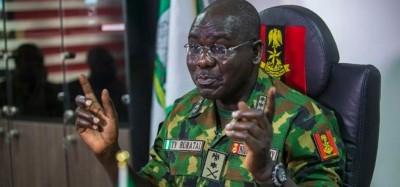 Nigeria :  L'Armée sur ses gardes, opte pour l'ordre démocratique et met en garde les...