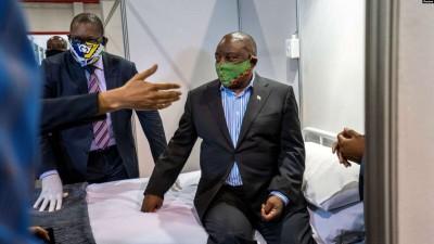 Afrique du Sud : Covid-19,Cyril Ramaphosa se met en quarantaine après un dîner de charité
