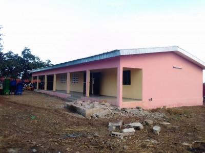Côte d'Ivoire : Diabo, sans budget depuis des années, la maire offre une pompe et un foyer à des villages