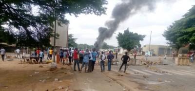 Côte d'Ivoire : A la veille du vote présidentiel, palabre entre partisans de l'opposi...