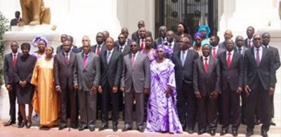 Sénégal : Nouveau gouvernement avec la participation de l'opposition et un rajeunisse...