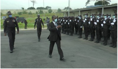 Côte d'Ivoire : Le General Vagondo transmet les félicitations du chef de l'Etat aux policiers pour le professionnalisme dont ils ont fait preuve durant le scrutin présidentiel