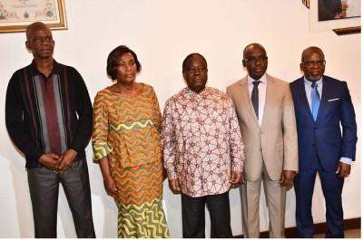 Côte d'Ivoire : Après la levée du blocus à la résidence d'Affi, ses proches expriment leur reconnaissance   à Bédié